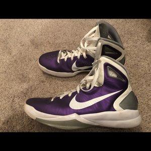 Nike Shoes - Nike Hyperdunk Basketball Size 13